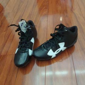 Under Amour boys cleats shoes sz 3